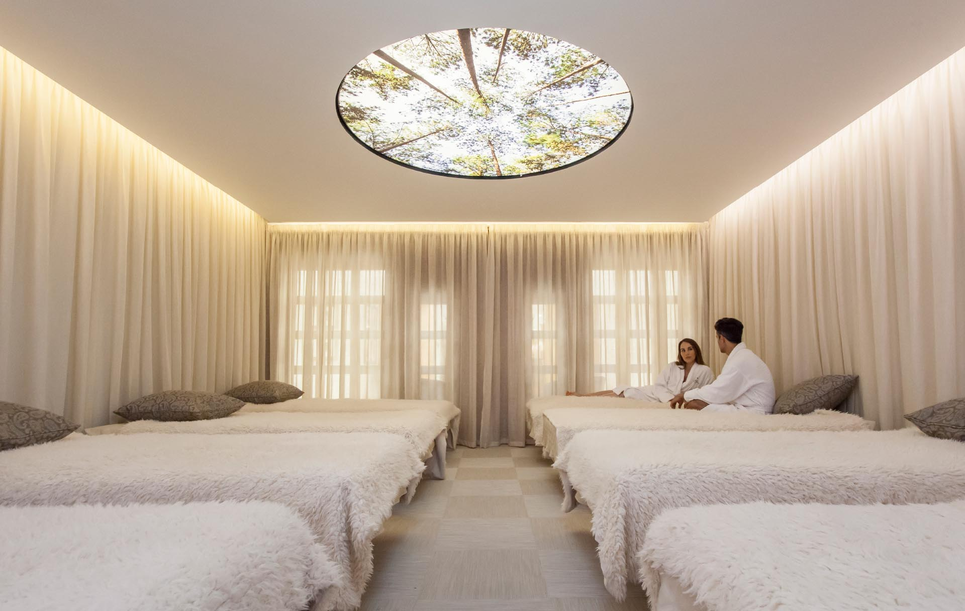 Champneys-Forest-Mere-Spa-Interior-Design-water-beds