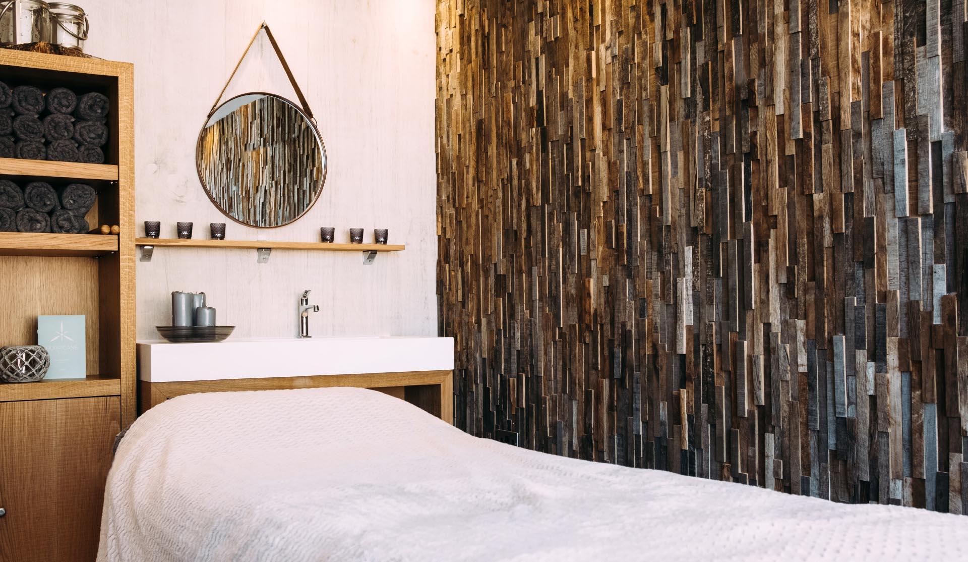 Silverlake-Dorset-Spa-Rustic-Treatment-room-design