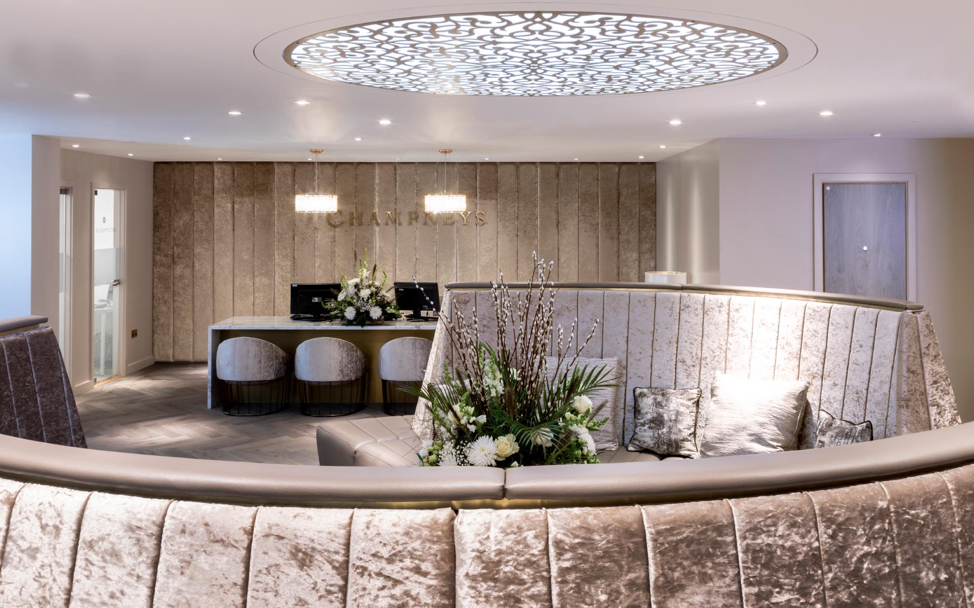 Champneys-Henlow-Butterscotch-design-Spa-treatment-wait-area-gold
